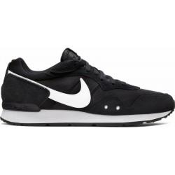 Nike Venture Runner...